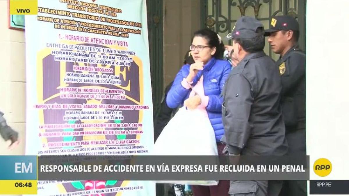 Romina Calisaya salió enmarrocada de la carceleta del INPE con destino al Penal de Mujeres de Chorrillos.