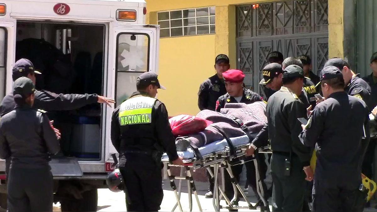 Traslado de policías asesinados por narcoterroristas.