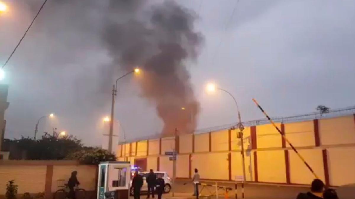La Municipalidad de San Miguel informó que la Policía y personal del Poder Judicial tratan de tomar el control del establecimiento.