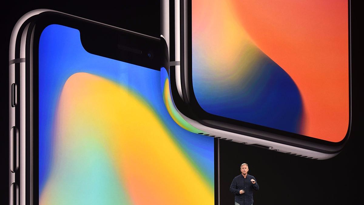 El iPhone X llega en el décimo aniversario del lanzamiento del iPhone por Steve Jobs.