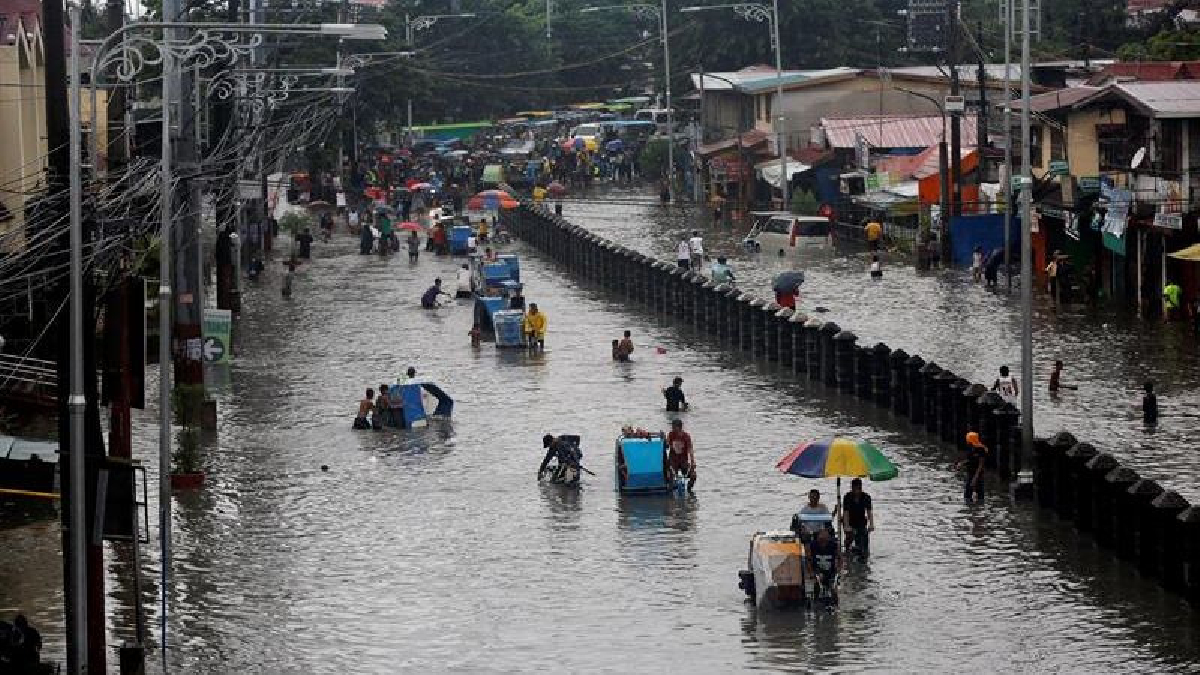 Las clases se suspendieron por segundo día en Manila y otras ciudades del entorno.