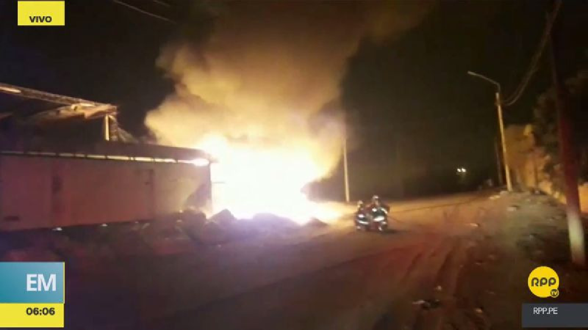 El incendio se desató en el asentamiento humano Lomas de Zapallal.