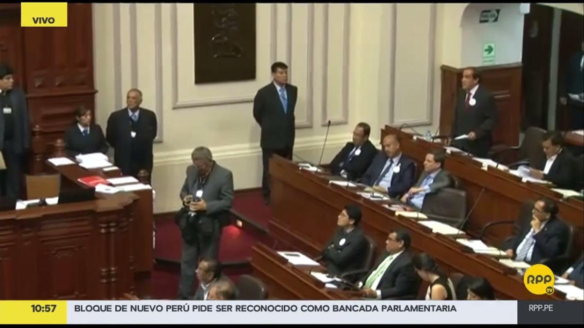 La mesa directiva del Congreso instó a Lescano a retirar el término de