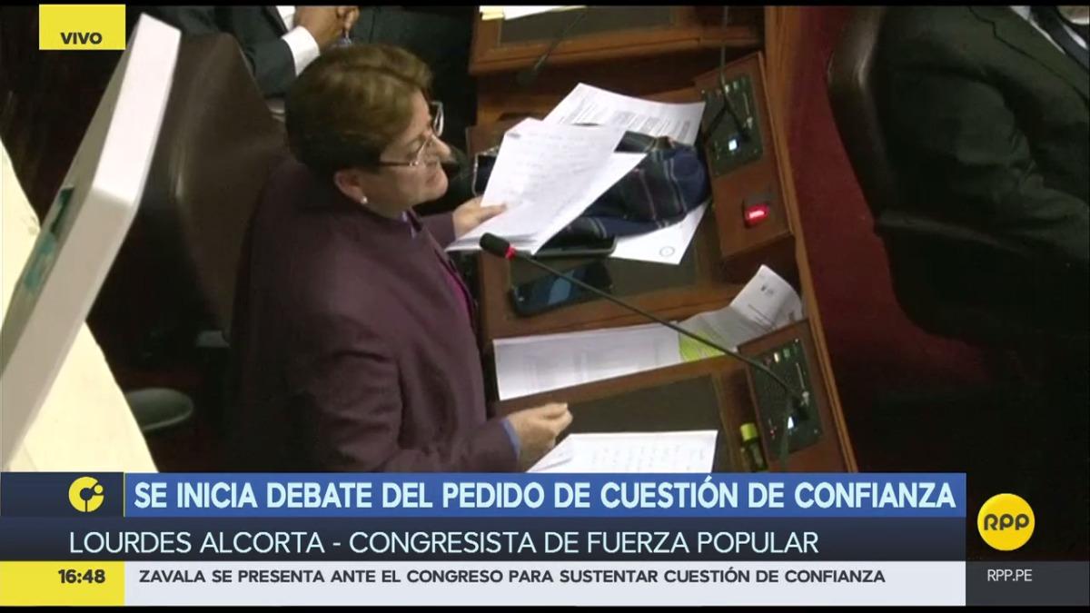 La congresistas fujimorista Lourdes Alcorta criticó duramente al gabinete ministerial de Fernando Zavala.