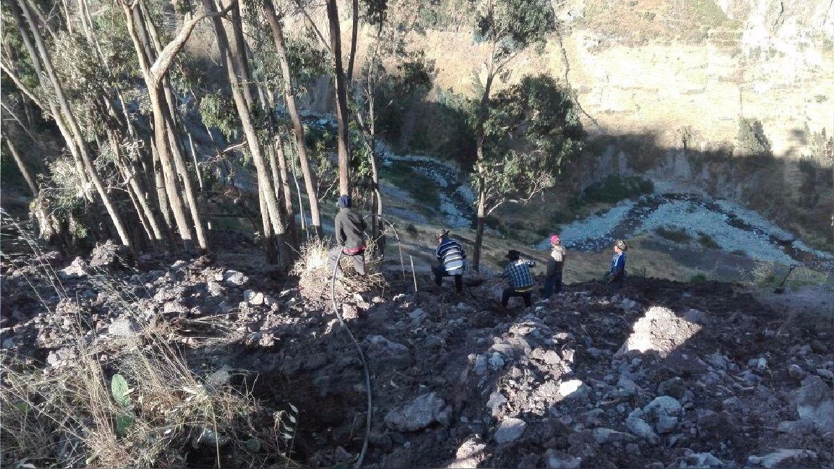 Hernando Talavera habló en 'La Rotativa del Aire' sobre los temblores en Matucana. En la foto se ve el deslizamiento de piedras en San Damián por los temblores.