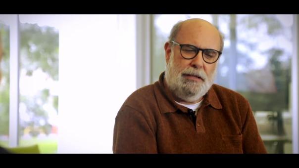Alberto Ísola sobre la importancia del teatros para la humanidad y en su propia vida.