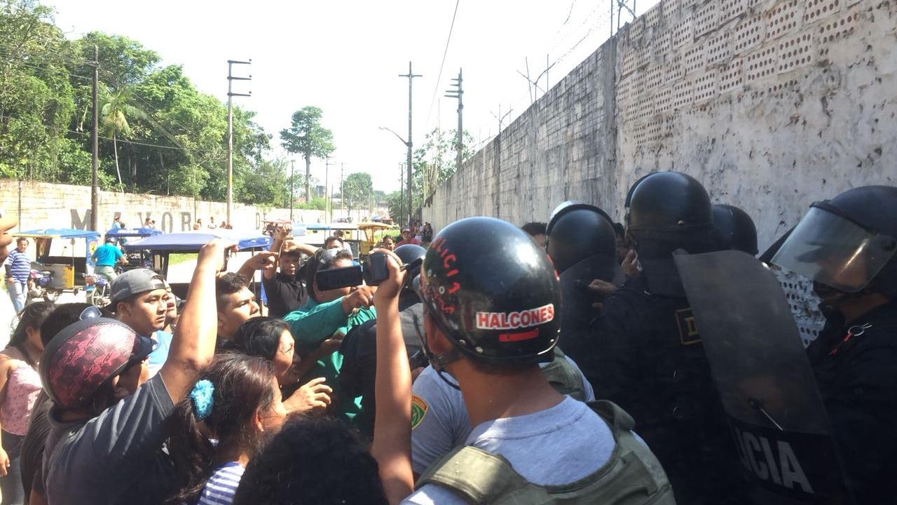 Protesta de internos en penal de Iquitos.