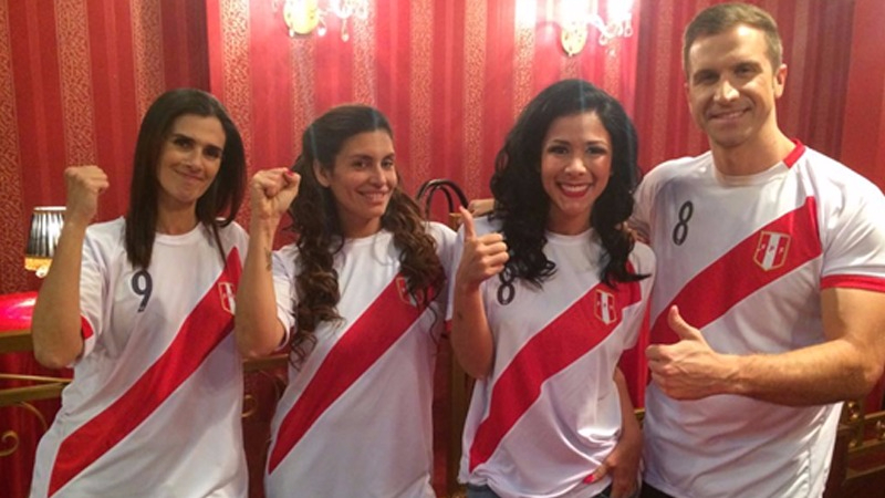 Elenco de 'Colorina' alienta a la Selección Peruana de Fútbol.