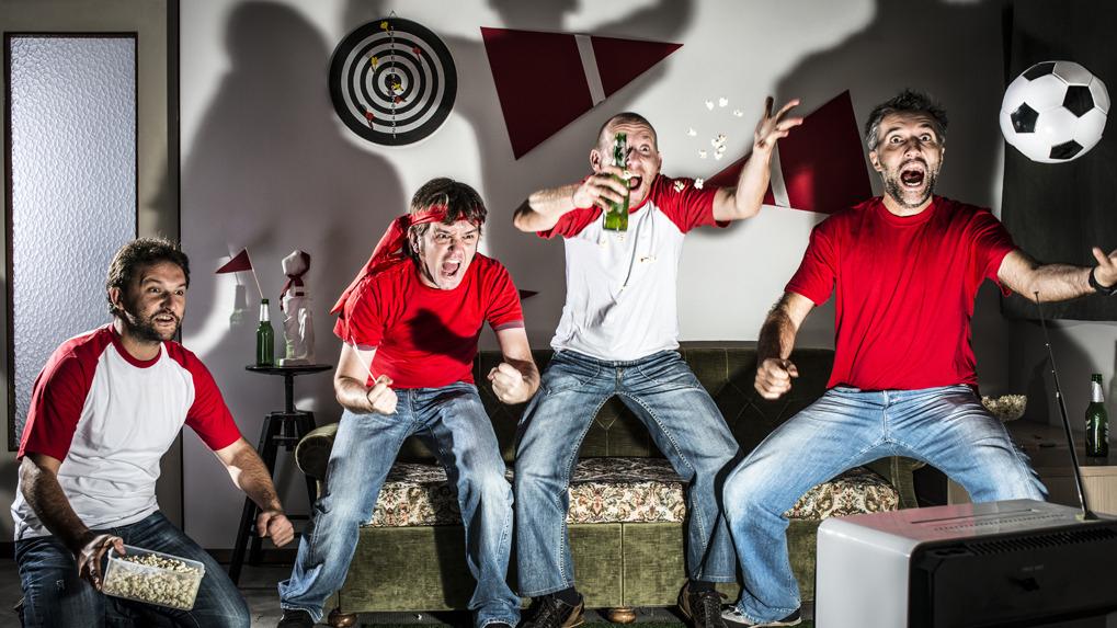 El alcohol actúa en el encéfalo, lo que hace es desinhibir.