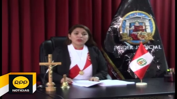 Corte Superior de Justicia de Ayacucho apoyó al seleccionado nacional vistiendo camiseta blanquirroja.