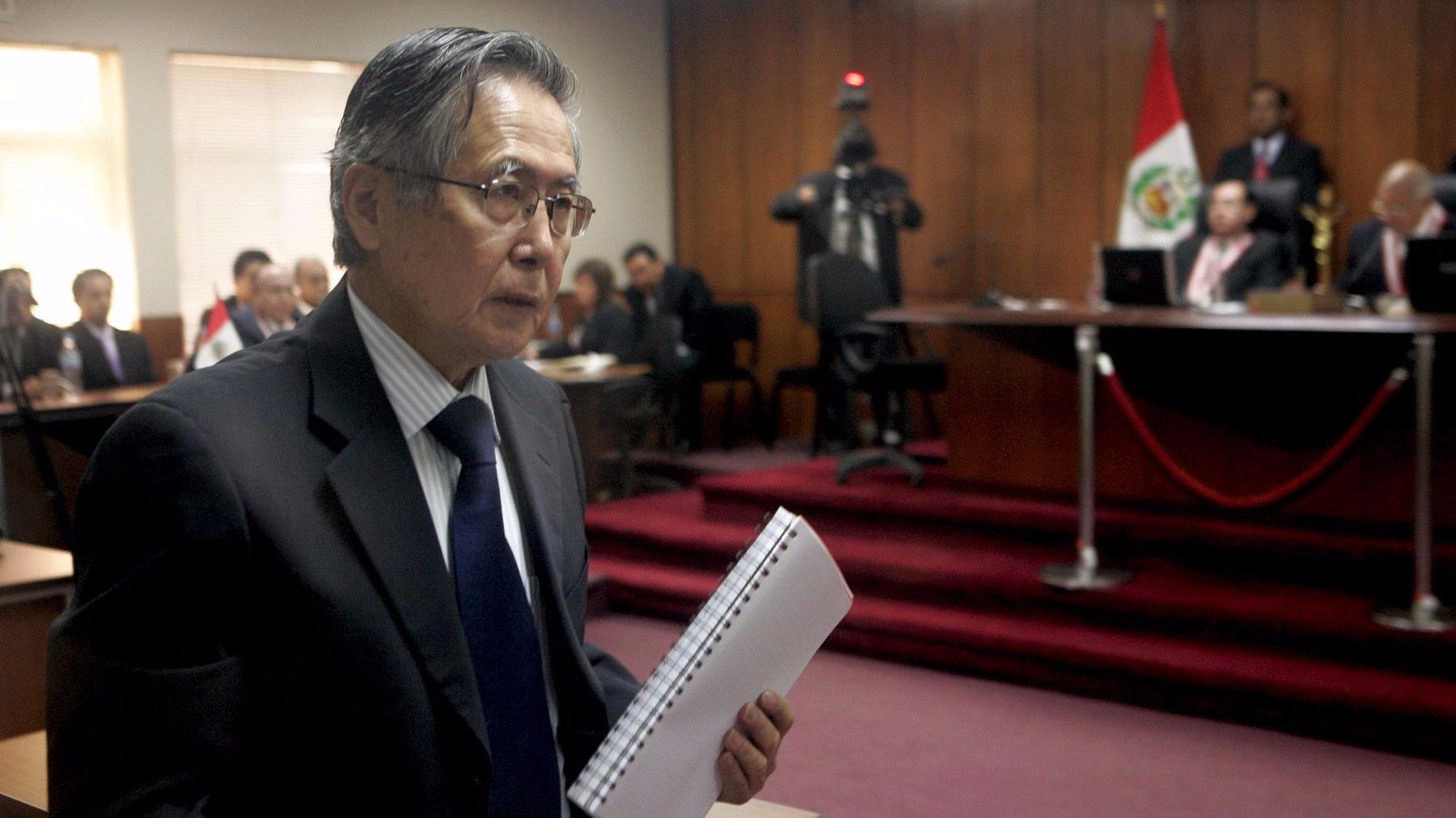 Fujimori, quien gobernó el Perú entre 1990 y 2000, fue condenado a 25 años de prisión en 2009 por homicidio calificado, lesiones graves y secuestro agravado.