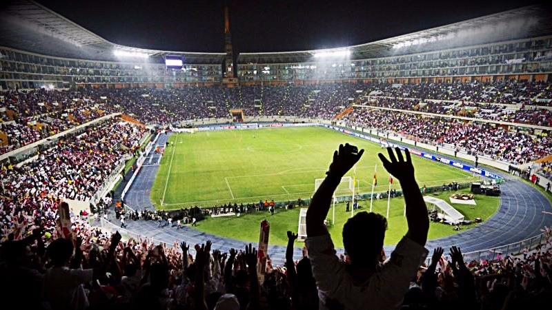 El parlamentario dijo que el Gobierno tiene que garantizar el uso del estadio para la selección.