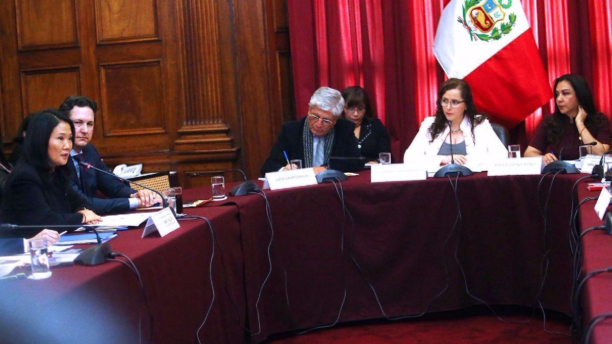 Fujimori también dijo que solo tiene una cuenta sueldo  en un banco, mientras que a su esposo