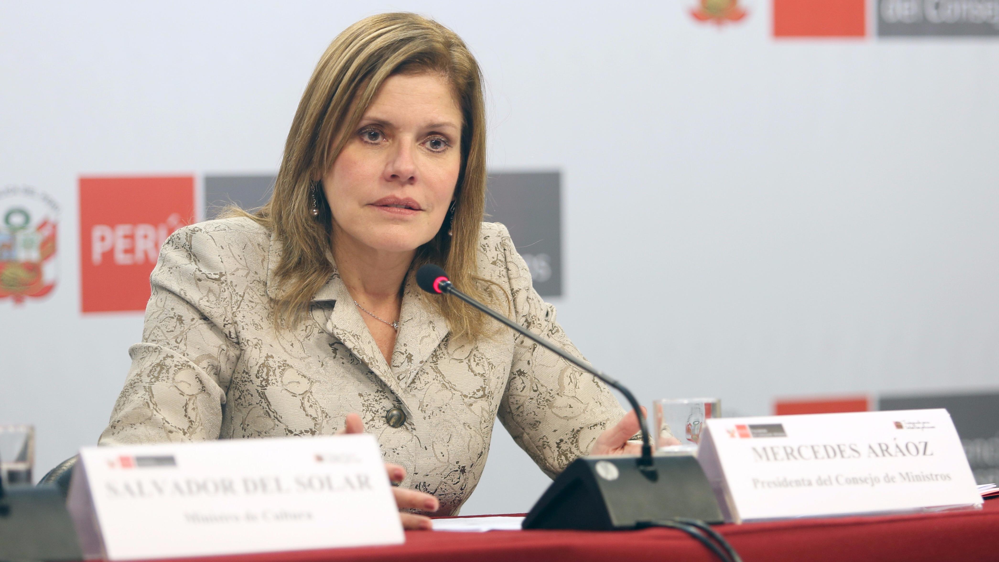 Mercedes Aráoz en conferencia de prensa.