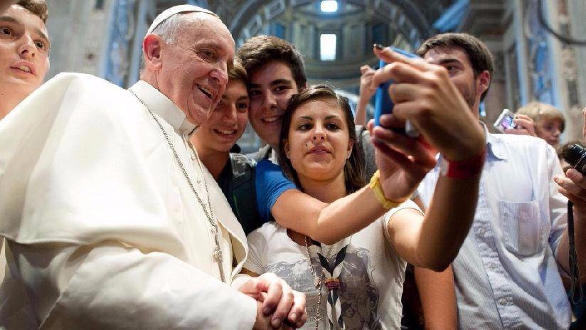 El papa Francisco ha cultivado una relación cercana con los jóvenes.