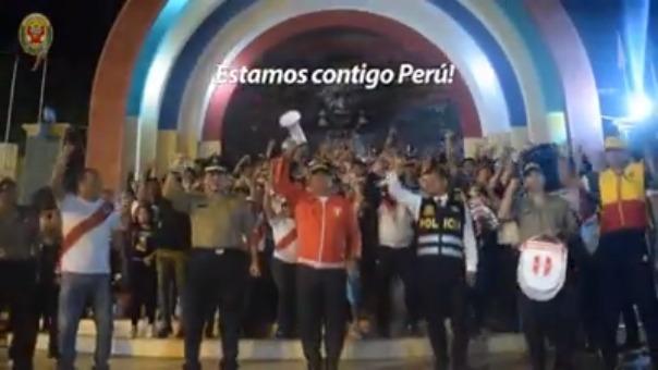 Policía de Tumbes apoya a la selección nacional mediante un video institucional.