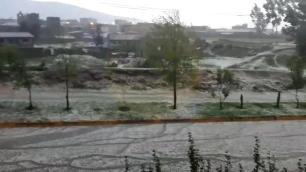 Fuerte granizada se registró en Huancayo.