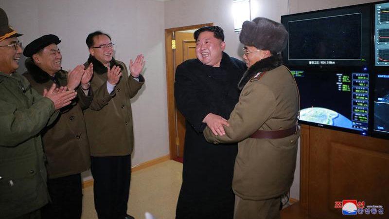 El Ministerio de Defensa surcoreano alertó que el misil es capaz de alcanzar Washington.
