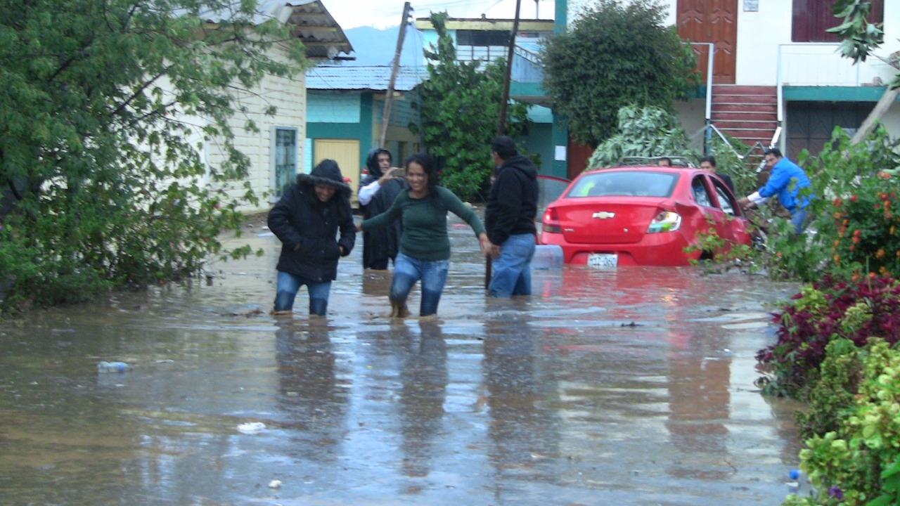 Inusual lluvia se inició pasadas las 3.00 de la tarde y tuvo una magnitud de 19,8 listros por metro cuadrado