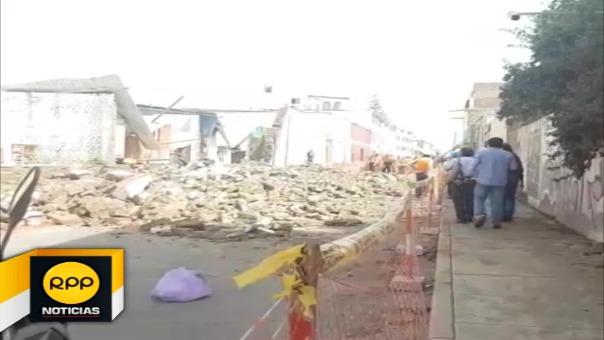 Una pared se desplomó cerca a colegio en el centro de Trujillo.