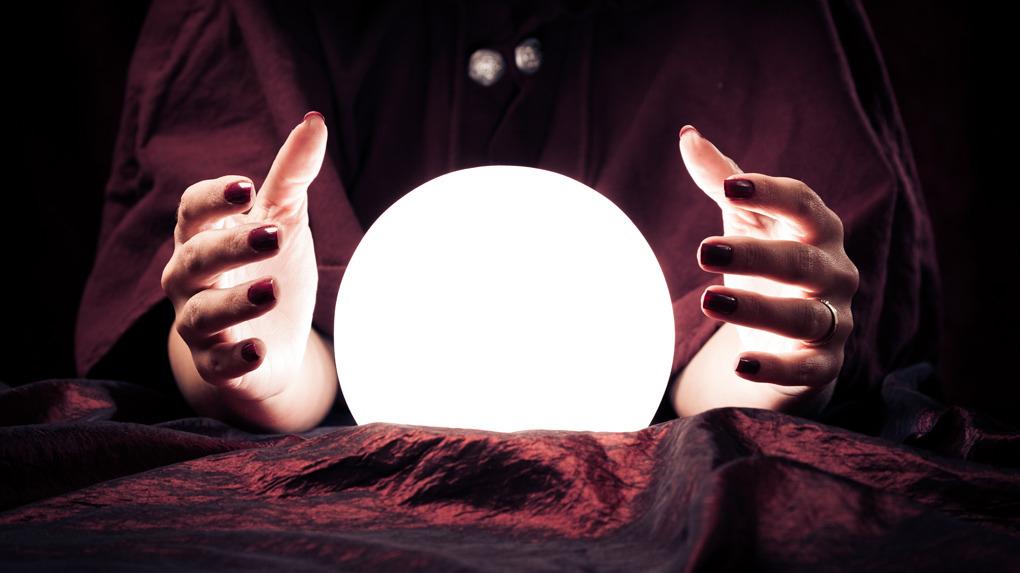 La curiosidad por conocer el futuro solo es perjudicial en las personas que son más sugestionables, señala la psicoterapeuta Maribel Villegas.