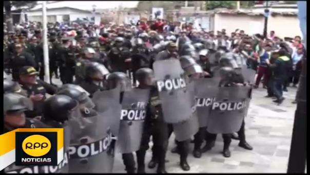 Los agentes de la Policía Nacional garatizaron la seguridad de Alejandro Herrera Flores.