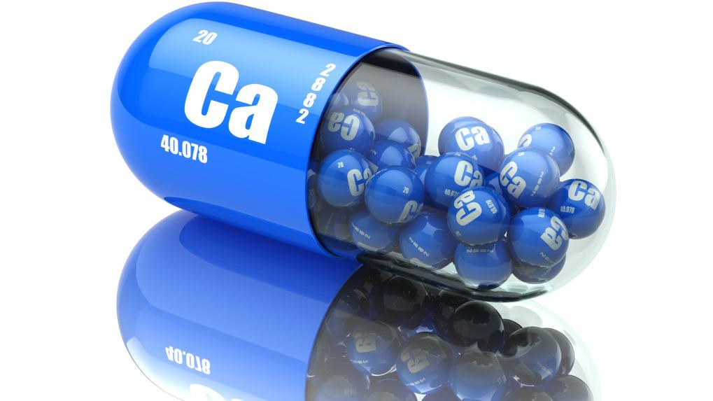 El calcio y la vitamina D se pueden encontrar en los alimentos.