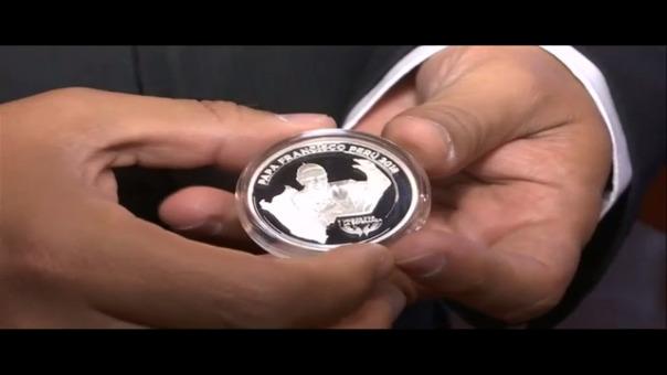 BCR lanza medalla conmemorativa por la visita del Papa Francisco al Perú.