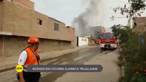 Dentro del garaje, había una cisterna con petróleo. Bomberos controlaron el fuego.