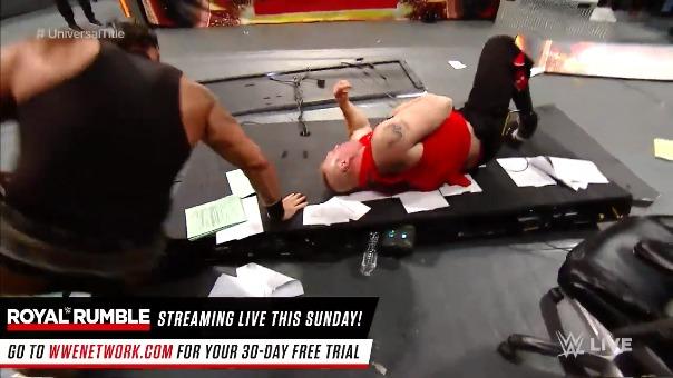 Así fue el momento en que Strowman acabó con 'la bestia' Brock Lesnar.