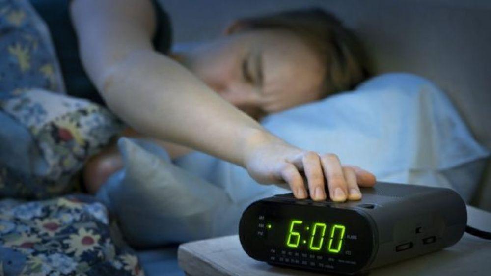 El doctor Elmer Huerta explicó que es el sueño polifásico y sus consecuencias en la salud.