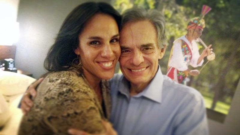 En un enlace telefónico desde México con Radio Felicidad, Marysol Sosa conversó con Jorge Henderson sobre la salud del 'príncipe de la canción'
