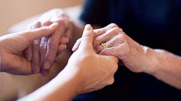 Para la psicóloga clínica Maribel Briceño, la pérdida es difícil de superar y casi imposible de olvidar por completo.