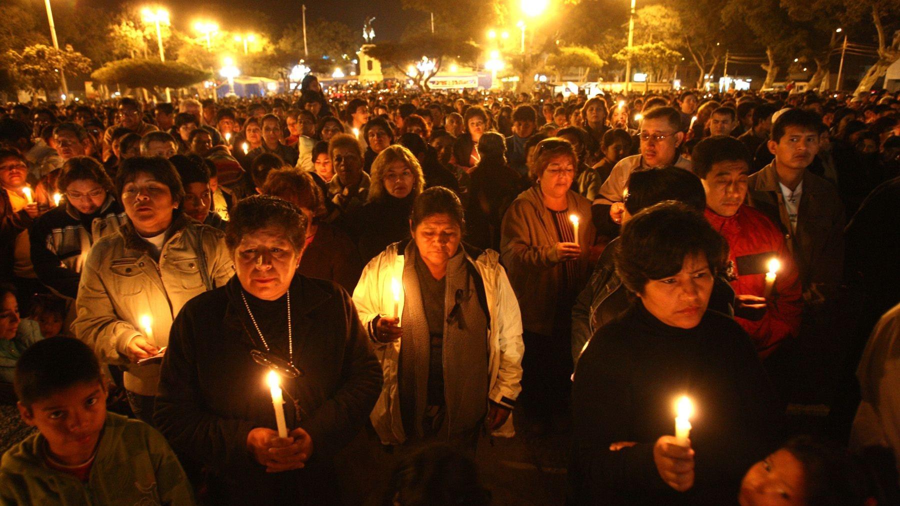 El terremoto, que tuvo su epicentro en Pisco, dejó cientos de muertos y miles de damnificados.