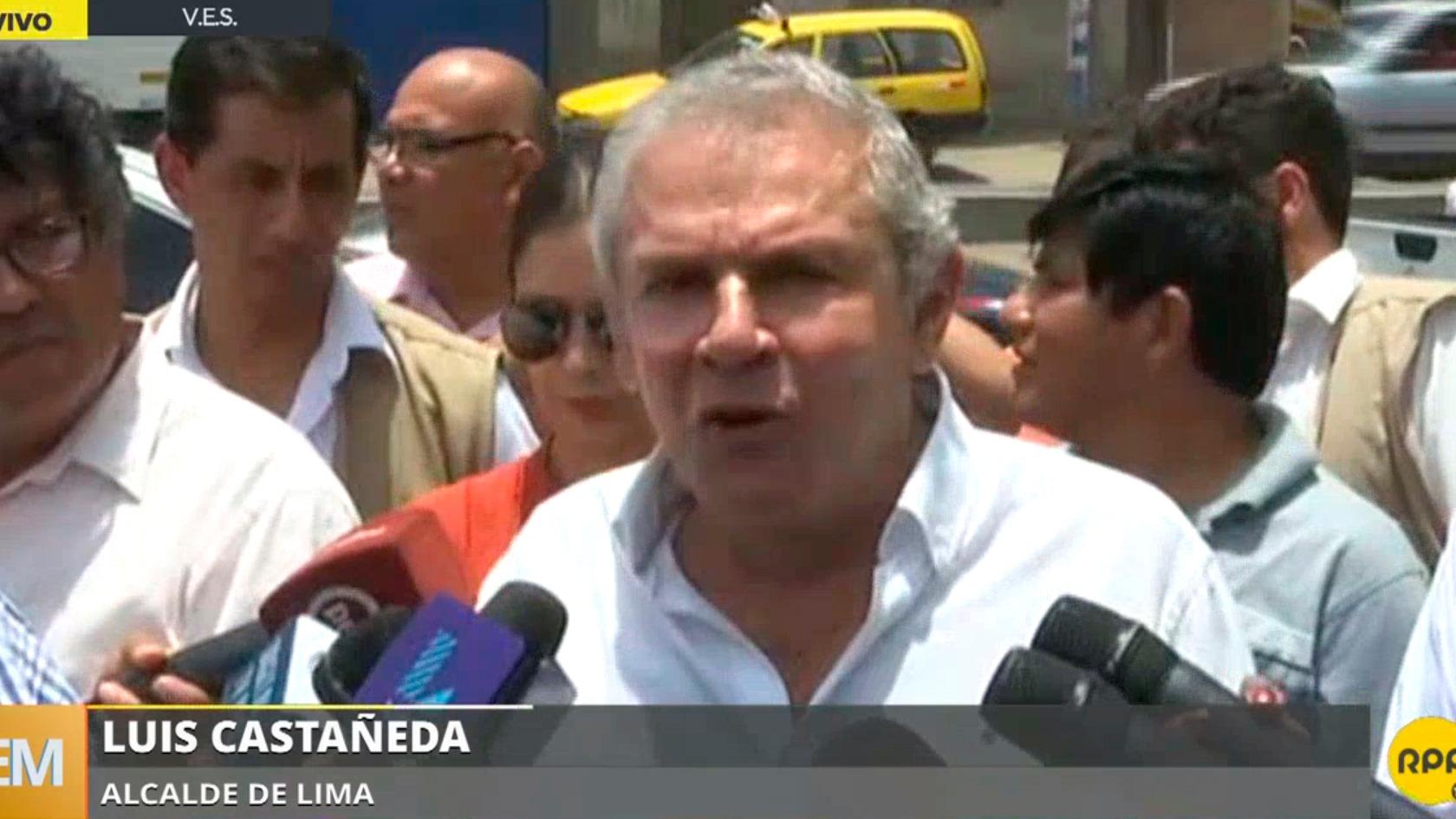 El alcalde Luis Castañeda en Villa El Salvador