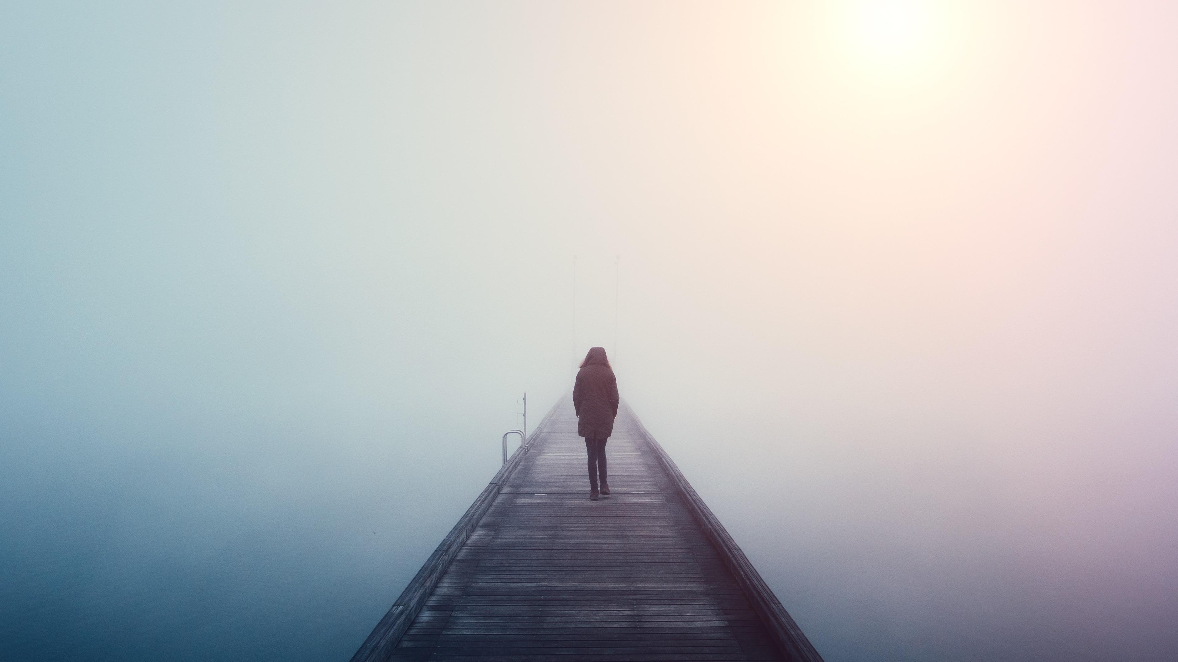 La soledad es considerada un problema de salud pública en Inglaterra. Las medidas gubernamentales asumidas por ese país son un reto para los otros países.