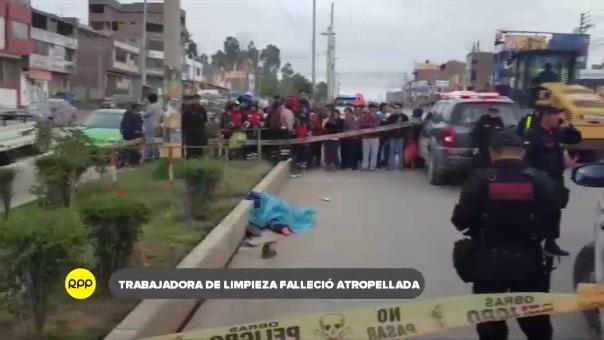 La trabajadora fue arrollada por un auto que fugó del lugar.