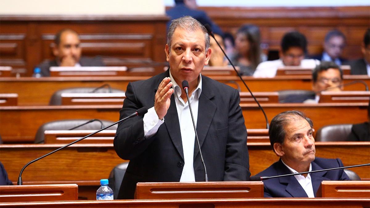 Marco Arana respaldó el derecho de Nicolás Maduro a asistir a la Cumbre de las Américas.