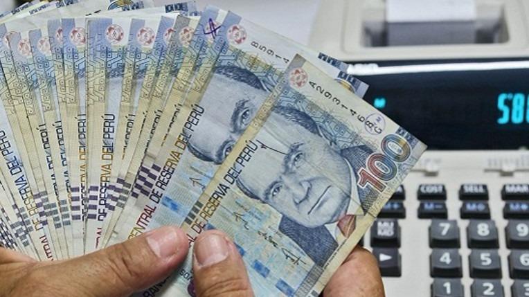 El Ministerio de Trabajo había indicado anteriormente que durante los primeros meses de este año se podría comenzar a evaluar un alza del sueldo mínimo.