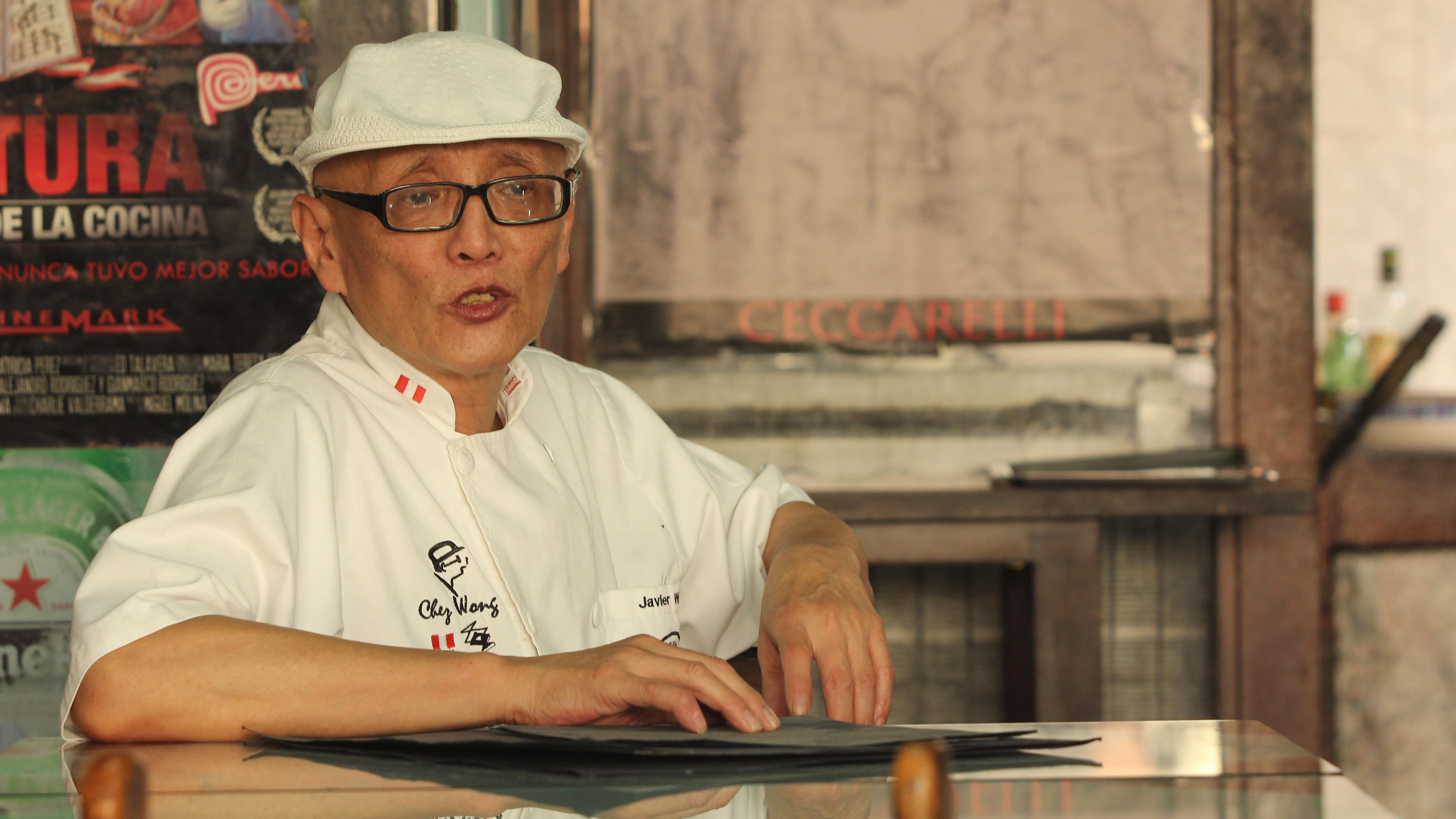 Aunque no lo celebra, Wong conoce muy bien la tradición del año Nuevo Chino. En este video la explica.