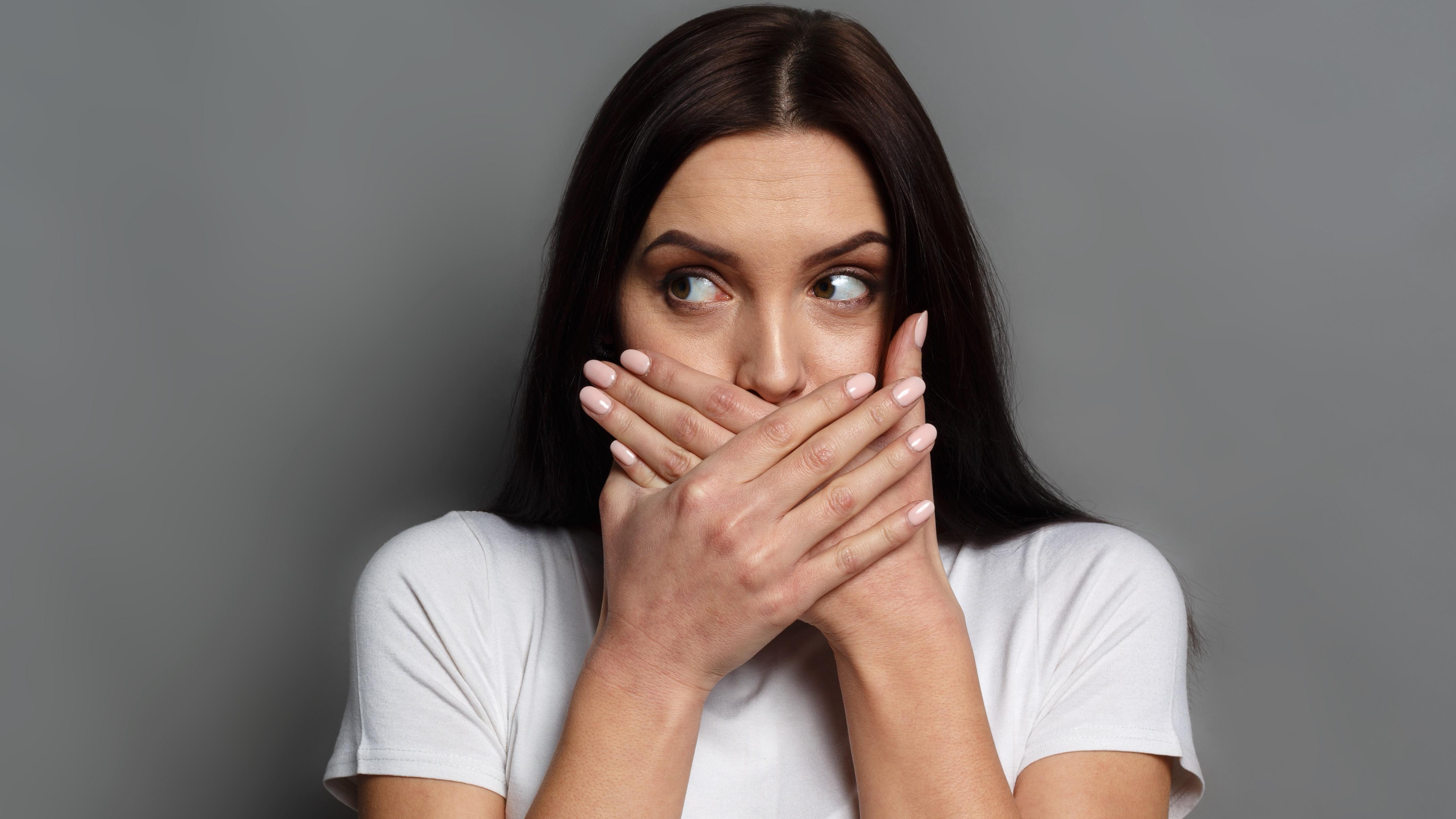 El especialista en salud pública explica que esta patología rara se presenta por un trastorno en el centro del lenguaje.