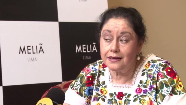 La primera actriz Angélica Aragón explica la relidad de las novelas mexicanas.