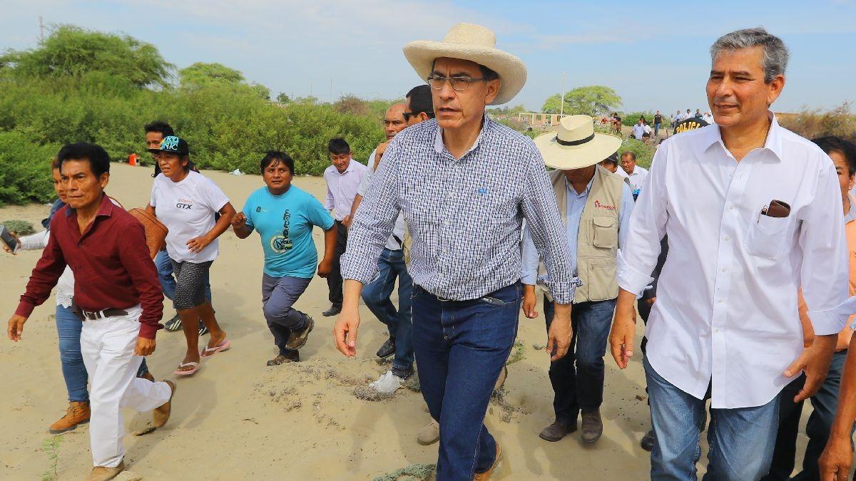 Martín Vizcarra realiza su primer viaje fuera de Lima como presidente en Piura.