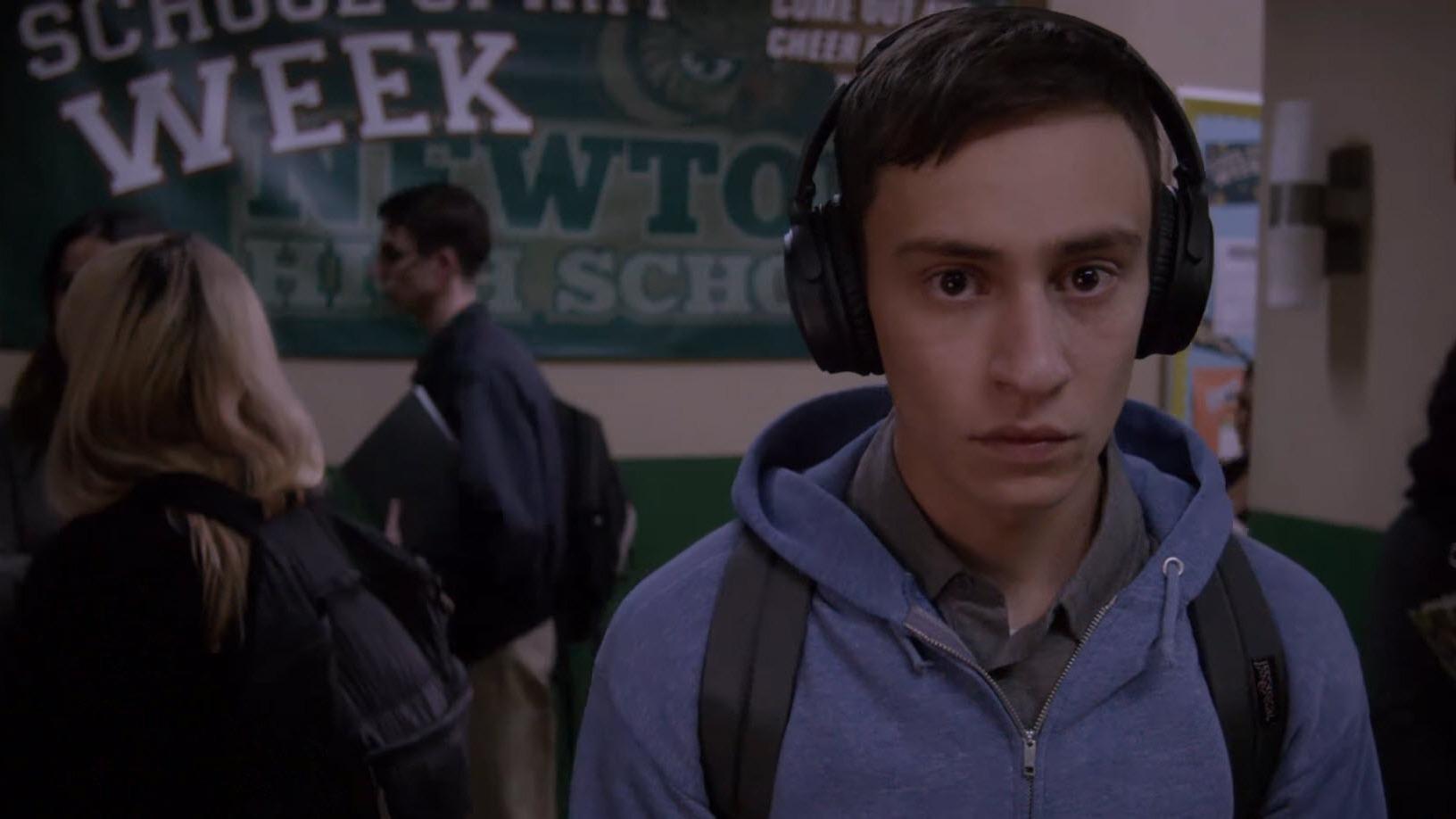 Sam Gardner es el protagonista de la serie Atypical. Interpreta a un adolescente de 18 años que tienen un trastorno del espectro autista.