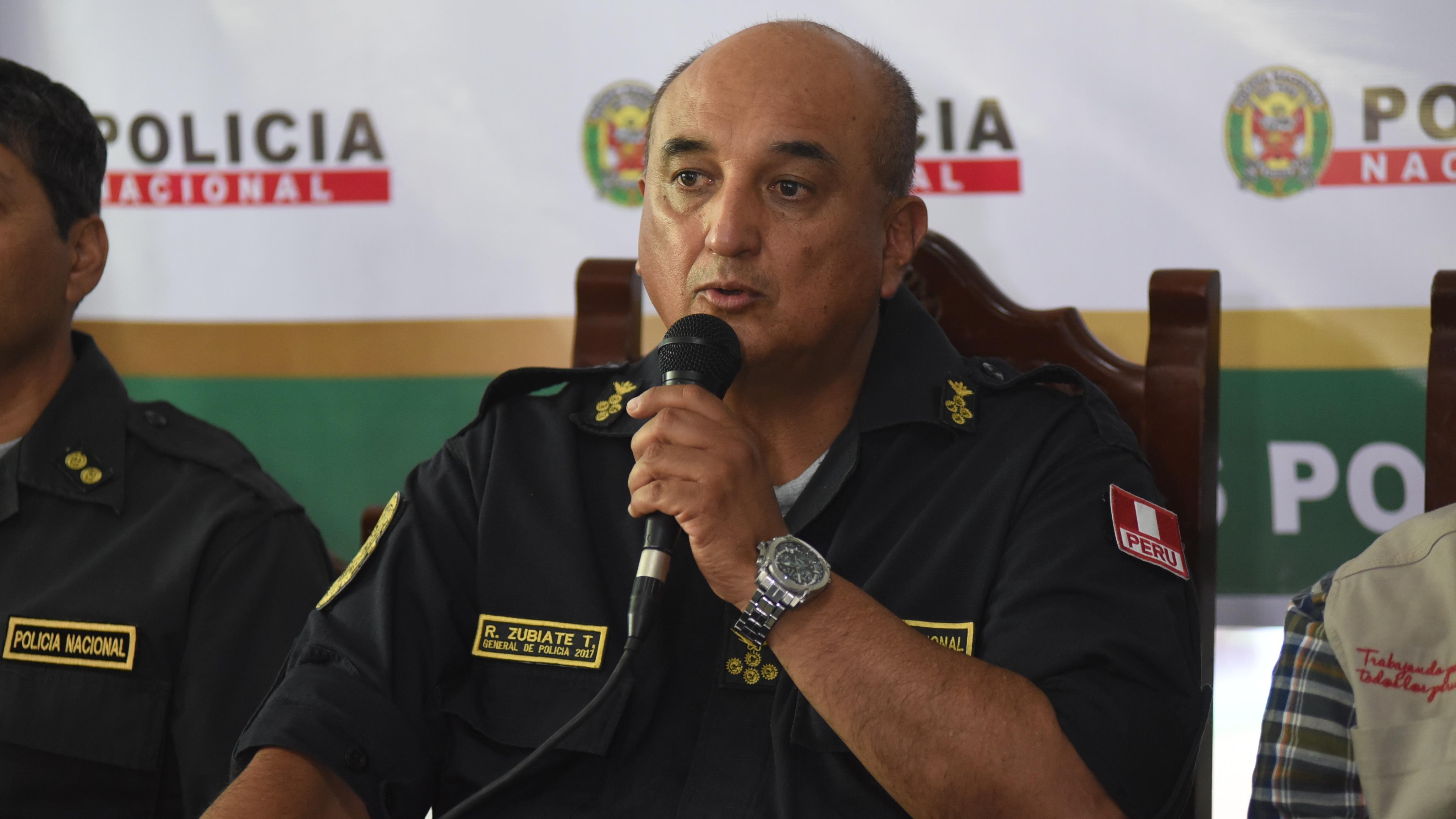 El director del colegio Pablo Machado fue incluido en la lista de los más buscados por la Policía.