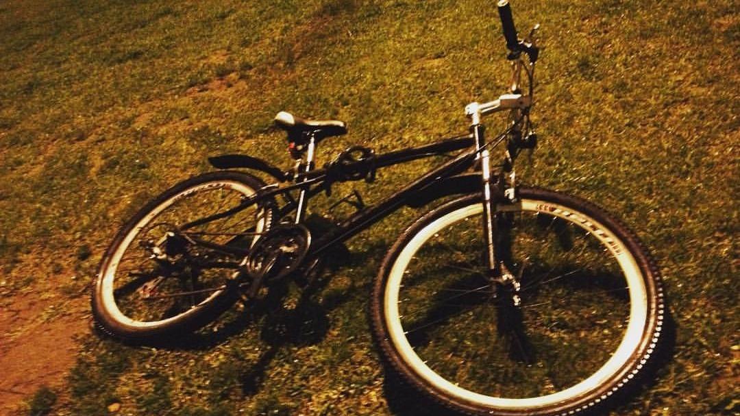 El ciclista Carlos Miguel Mendoza comenta cuánto es lo que él gastó para equiparse y manejar bicicleta.