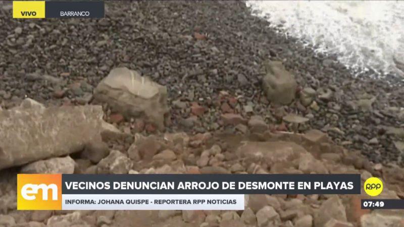 """Los vecinos calificaron que """"atentado ecológico"""" el arrojo de desmonte en la playa."""