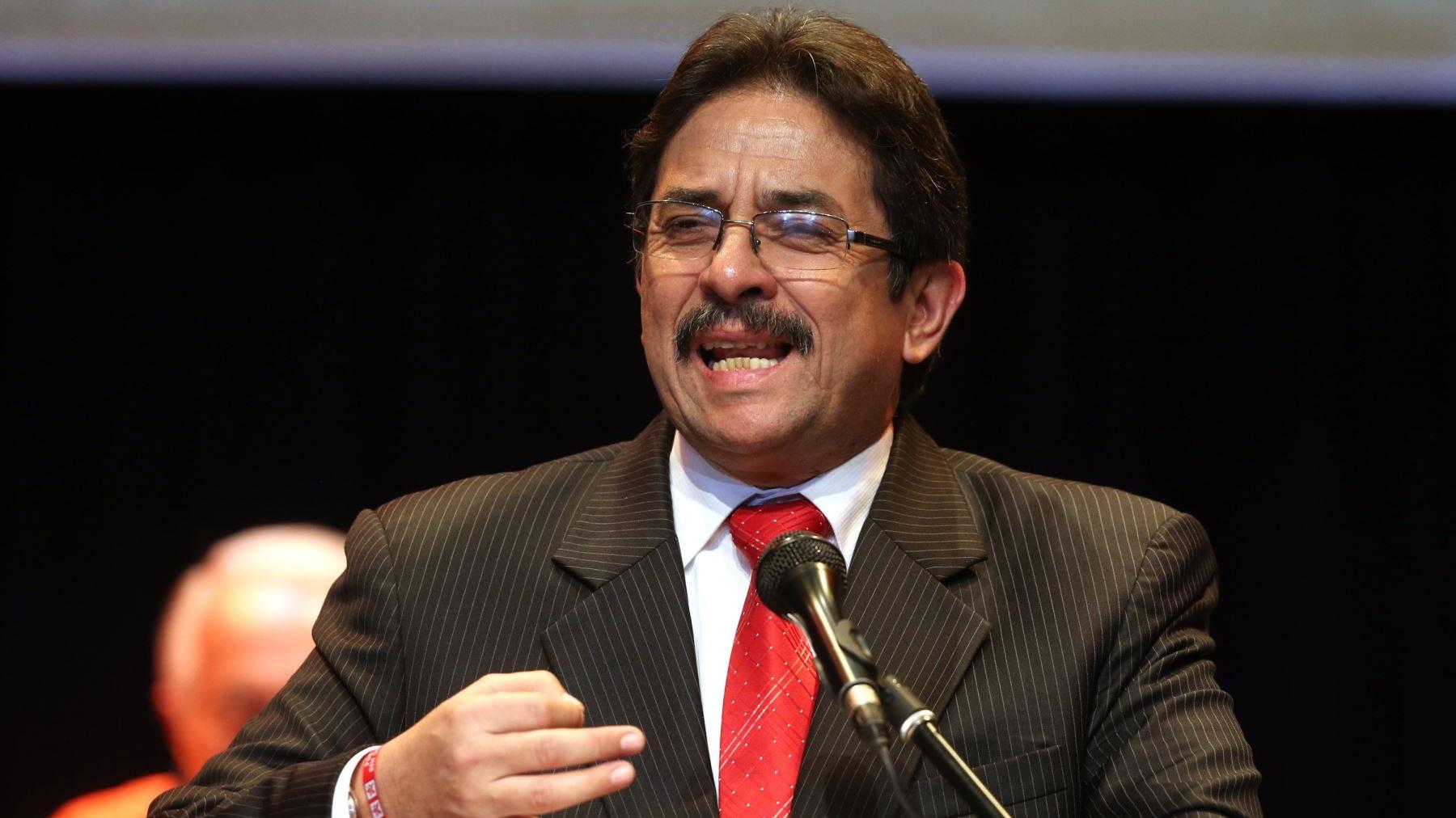 Cornejo indicó que trabajará por la seguridad, impulsará la educación vial y un ordenamiento territorial.