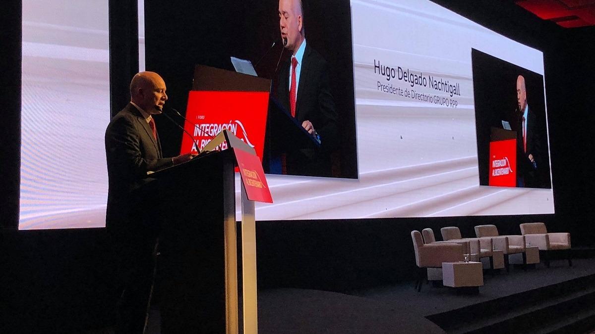 Hugo Delgado Nachtigall inauguró el foro Integración al Bicentenario.