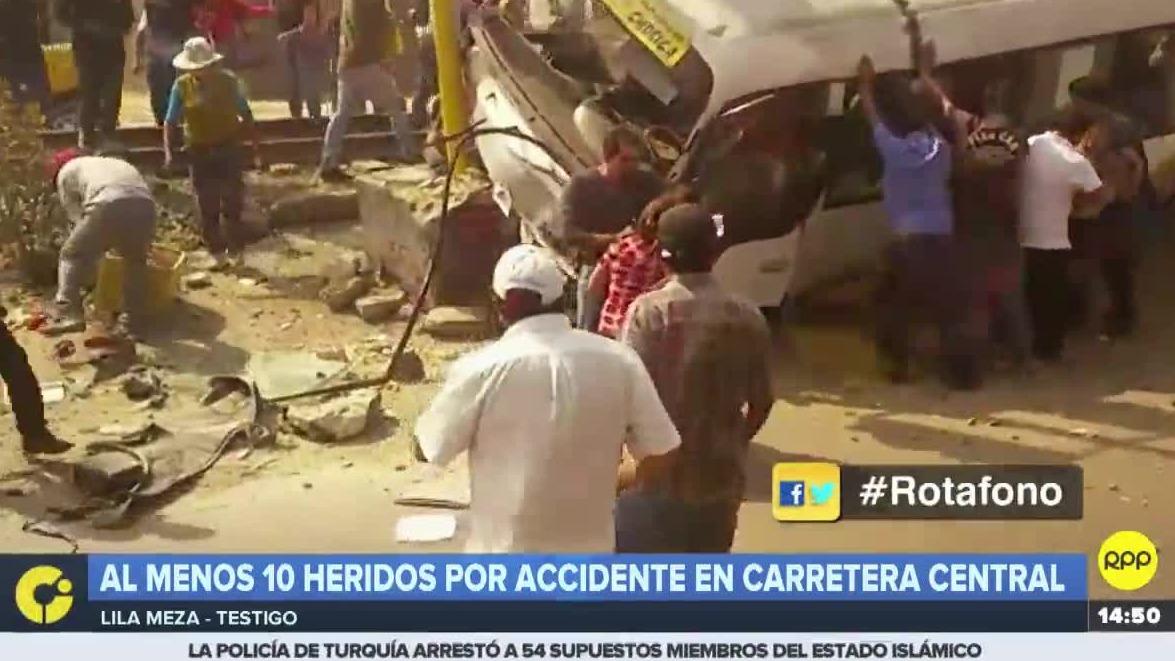 Los heridos fueron trasladados por la Policía, Bomberos y Serenazgo.
